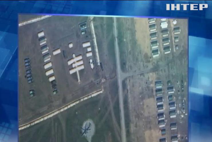 Росія продовжує стягувати війська до українського кордону