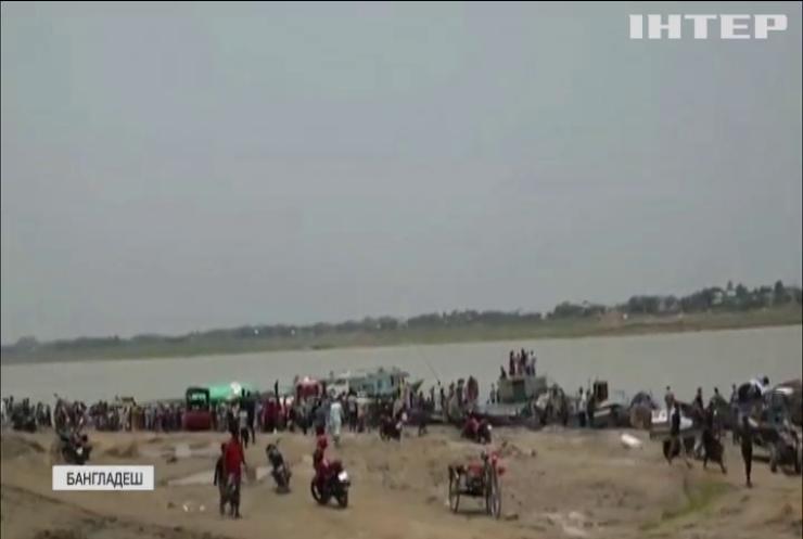 У Бангладеш катер з пасажирами протаранив баржу: 26 людей загинули