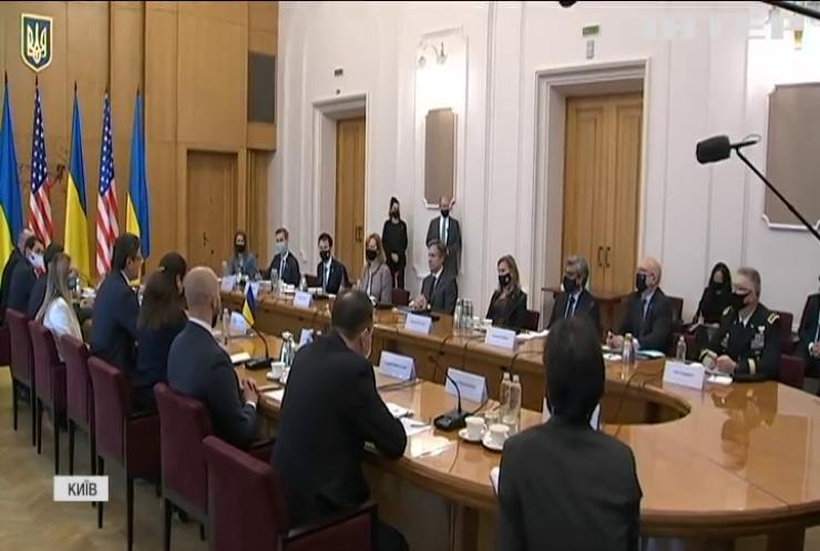 Ентоні Блінкен та Володимир Зеленський обговорили політичну ситуацію в Україні