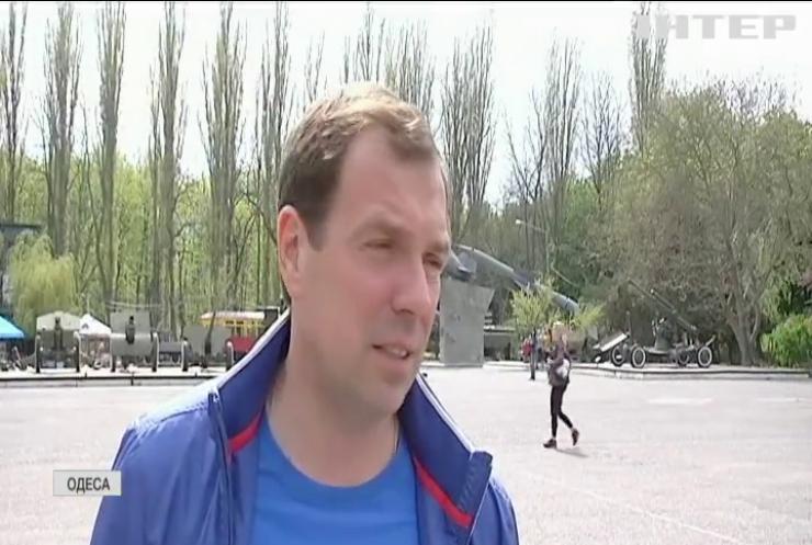 """В Одесі за підтримки """"Опозиційної платформи - За життя"""" прикрасили меморіал пам'яті жертв Другої Світової війни"""