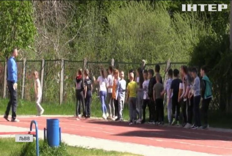 Небезпечне сусідство: Львівська школа потерпає від нашестя гадюк