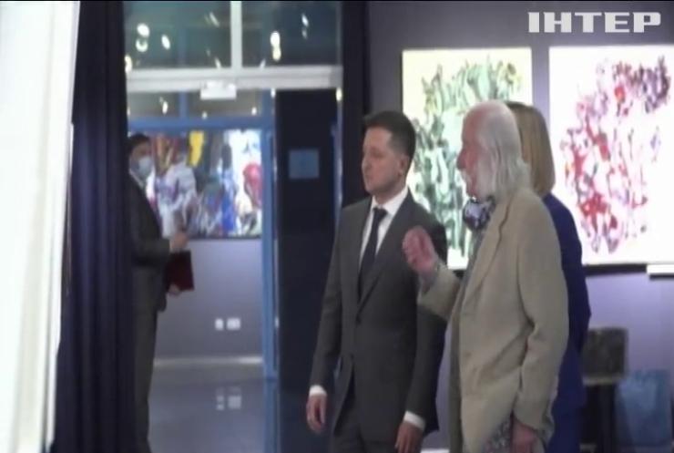 Володимир Зеленський запропонував українському художнику Івану Марчуку облаштувати музей в американському посольстві