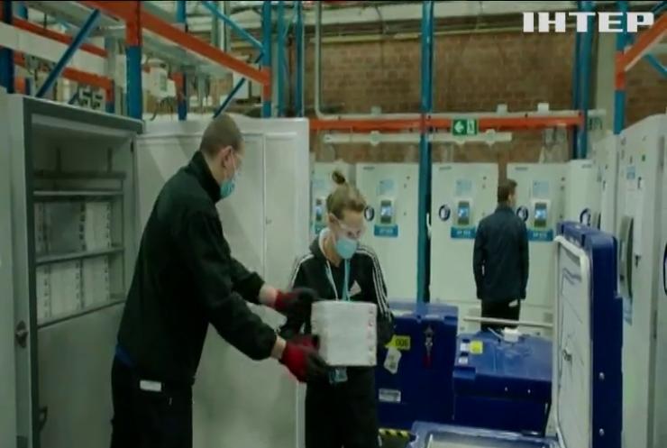 Виробники вакцин почали відвантажувати для України заборговані партії сироватки