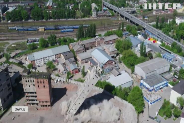 Харківський елеватор знесли у повітря