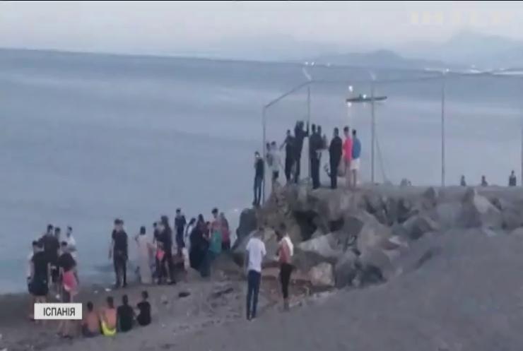 Біженці прорвали кордон в іспанській Сеуті