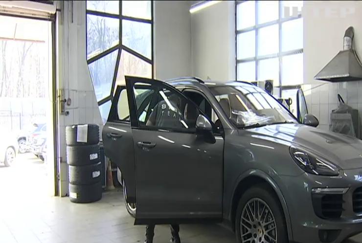 В Україні змінюють оподаткування елітних автівок