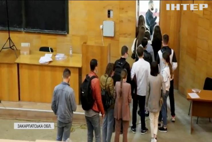 В Ужгороді викрили махінації на іспитах в медичному університеті