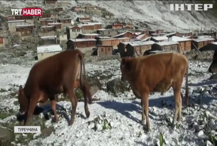 Туреччину засипало снігом посеред літа