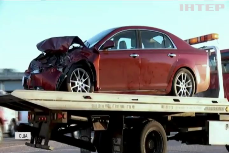 У США малолітні дівчата подорожували викраденою у батьків автівкою