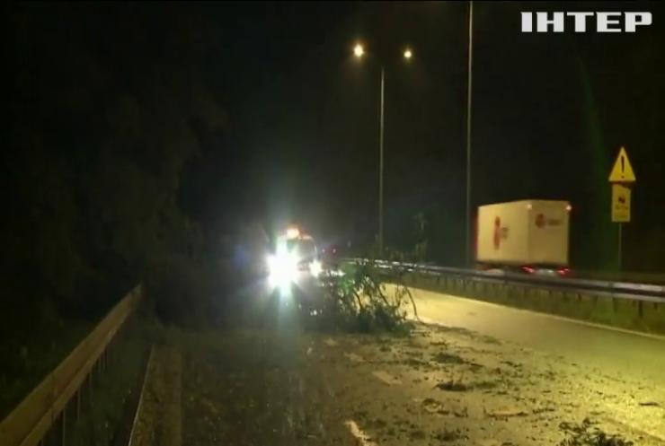 Потужний буревій залишив без електрики 23 тисячі домогосподарств у Польщі