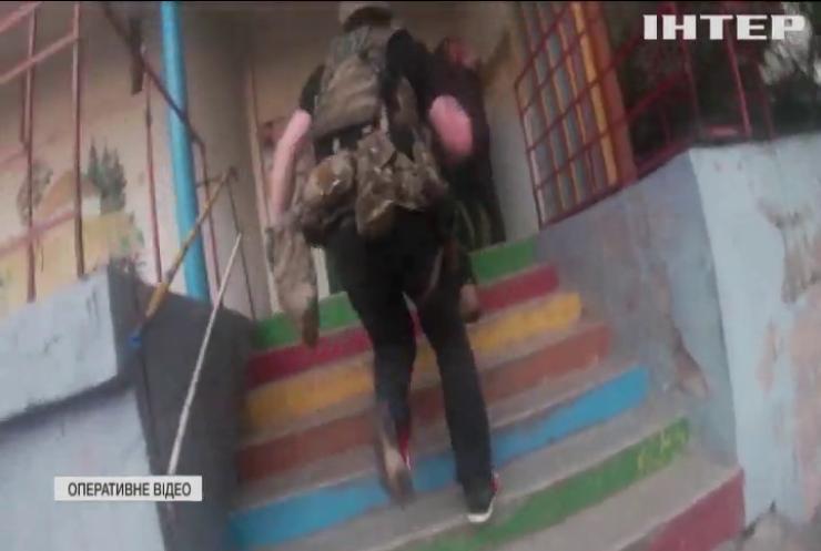 В Івано-Франківську затримали банду озброєних грабіжників