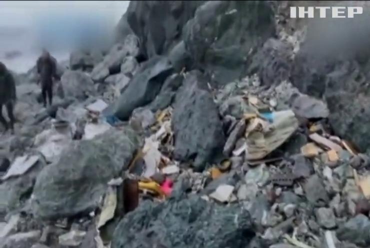 Рятувальники дістають з моря тіла загиблих під час авіакатастрофи АН-26 на Камчатці