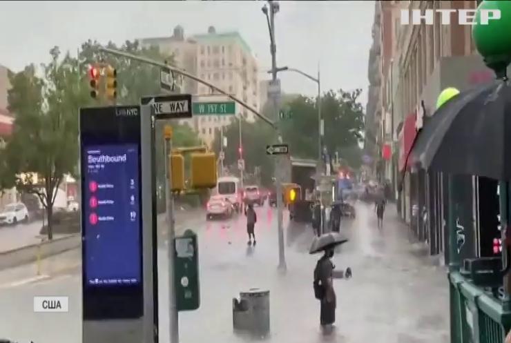 """Шторм """"Ельза"""" затопив метро у Нью-Йорку"""
