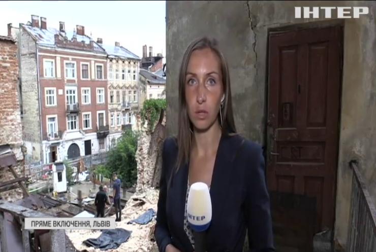 У центрі Львова обвалився будинок: є жертви