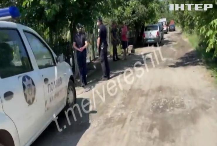 У Кривому Розі арештували вітчима, який тримав на ланцюгу 7-річну дитину