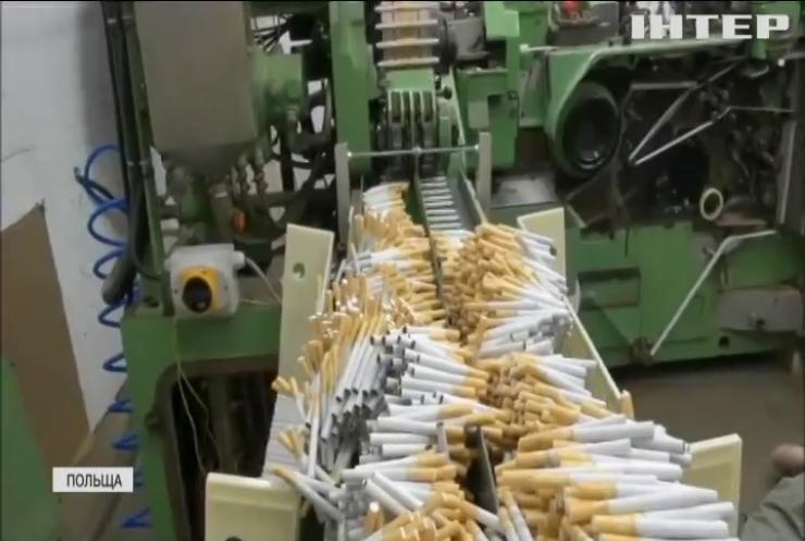 Підпільна тютюнова фабрика у Польщі випускала контрафактні цигарки
