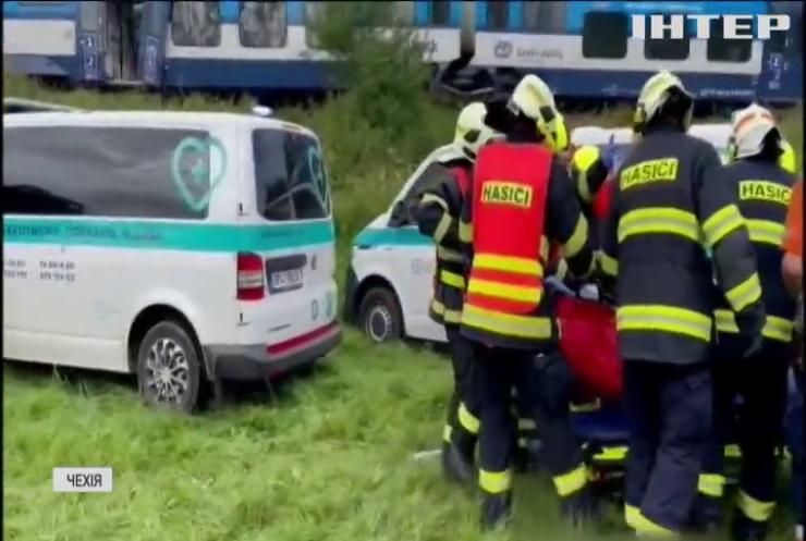 Аварія на залізниці: у Чехії вцілілим пасажирам надають психологічну допомогу