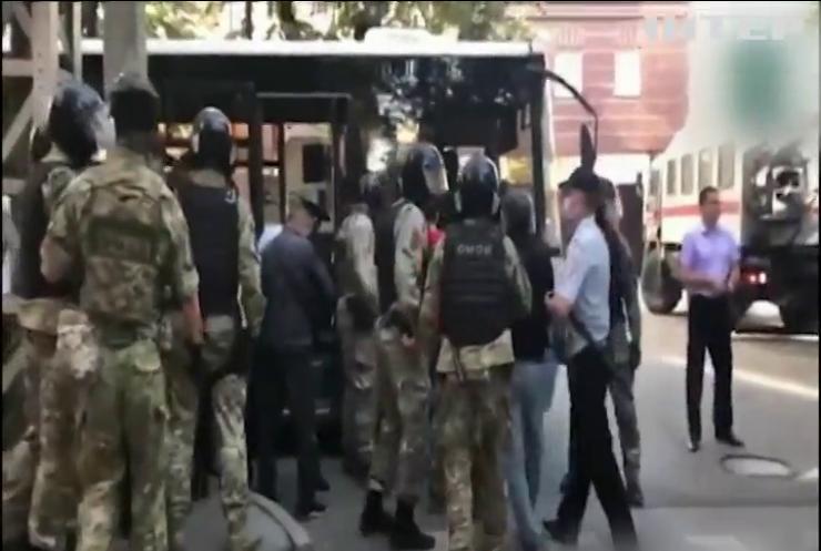 У Сімферополі протестували проти затримання заступника голови Меджлісу