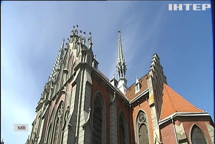 Костел Св. Миколая: пожежа роздмухала старе протистояння за будівлю