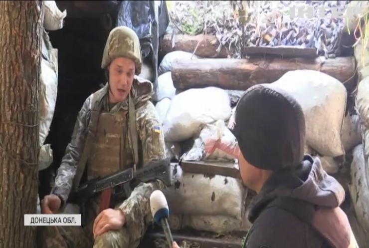 Війна на Донбасі: військового поранили зі стрілецької зброї