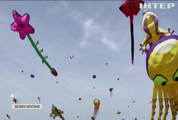 У небі над Ліверпулем відбувся фестиваль повітряних зміїв