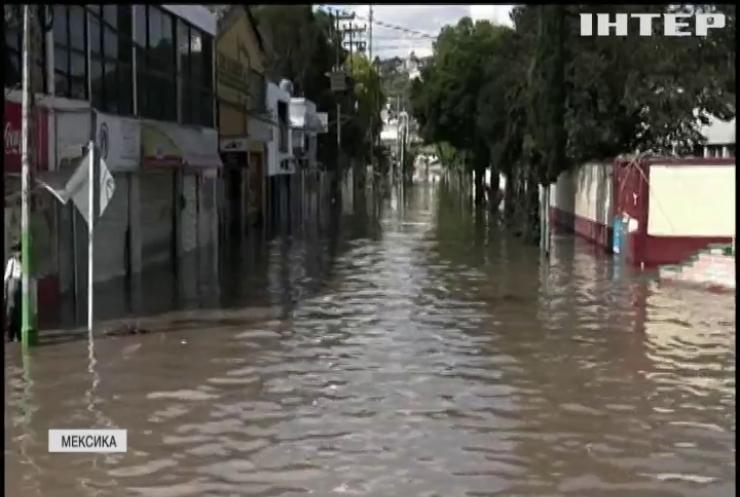 """Негода в Мексиці: ураган """"Олаф"""" вирує в штаті Нижня Каліфорнія"""