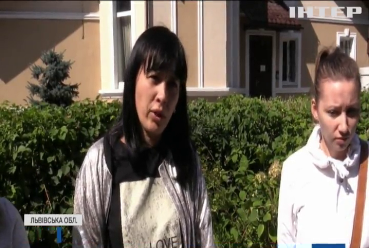 На Львівщині розгорівся скандал через радянські шкільні туалети