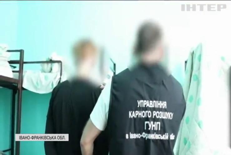 Правоохоронці затримали братів-шахраїв, які грабували держприміщення