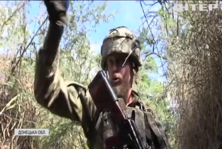 Війна на Донбасі: знімальна група потрапила під ворожий обстріл