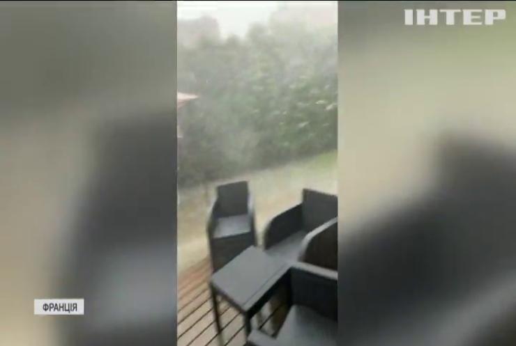 У Франції зникли двоє людей через повені