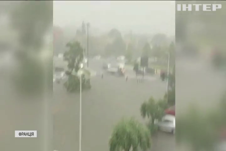 У Франції вирує негода: не припиняються зливи та сильний вітер