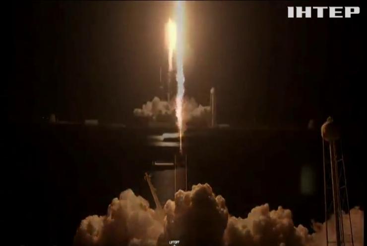 Компанія Ілона Маска відправила перших туристів у космос