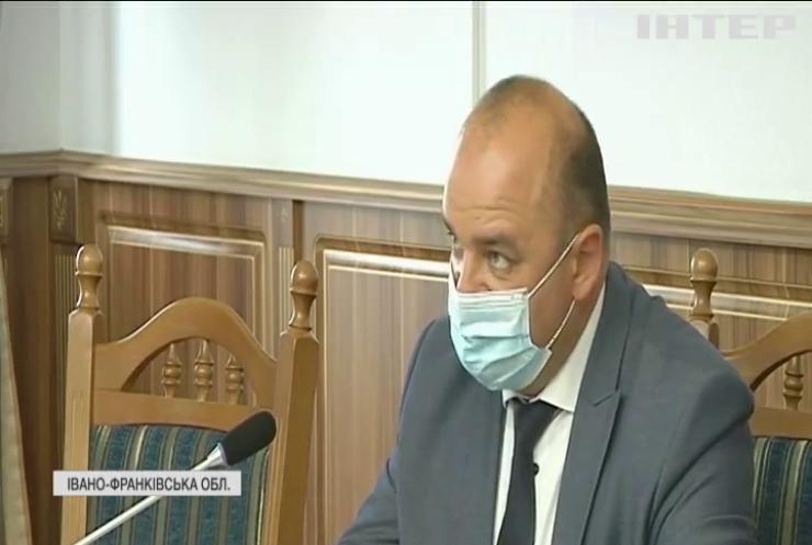 Івано-франківські лікарні переповнені:  місцеві не поспішають вакцинуватися