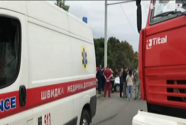 Аварія в Дніпрі: три автівки не змогли розминутися