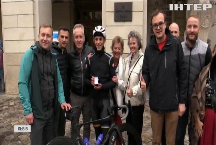 Бельгієць їхав до України на велосипеді двадцять один день