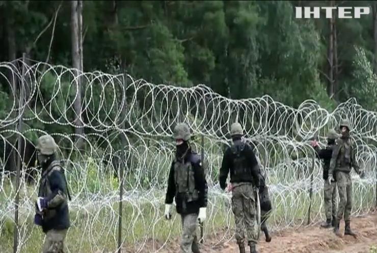Польща споряджає армійців та спецтехніку на кордон із Білоруссю