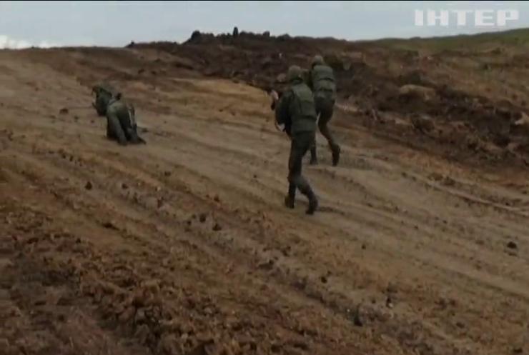 Росія проводить масштабні військові навчання в Криму