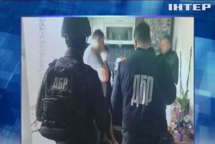 На Запоріжжі поліцейський торгував психотропними препаратами
