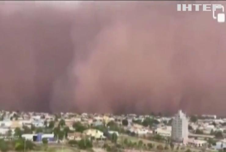 Бразильське місто Сан-Паулу накрила піщана буря