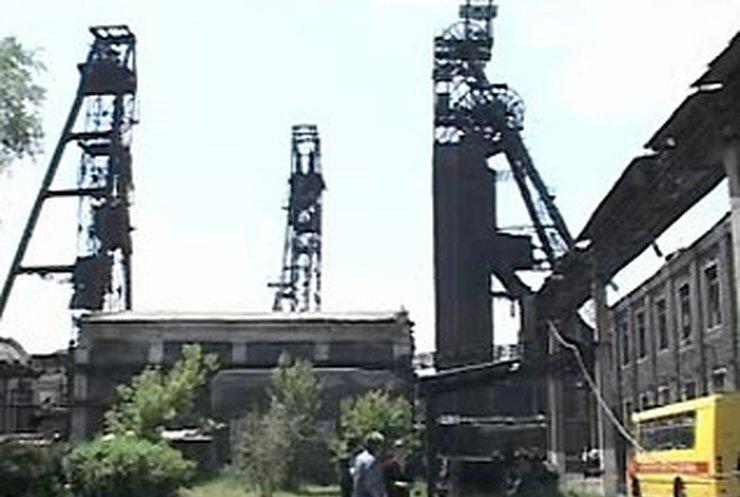 На шахте в Енакиево спасли двух горняков и нашли первую жертву