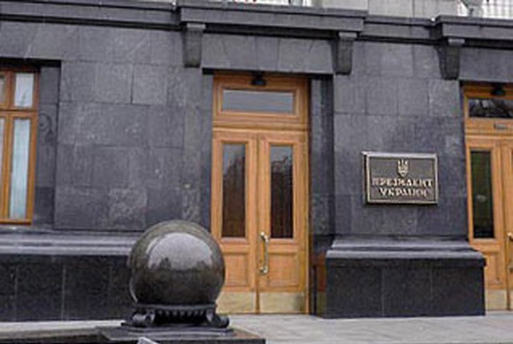 Секретариат обвинил правительство в обнищании украинцев