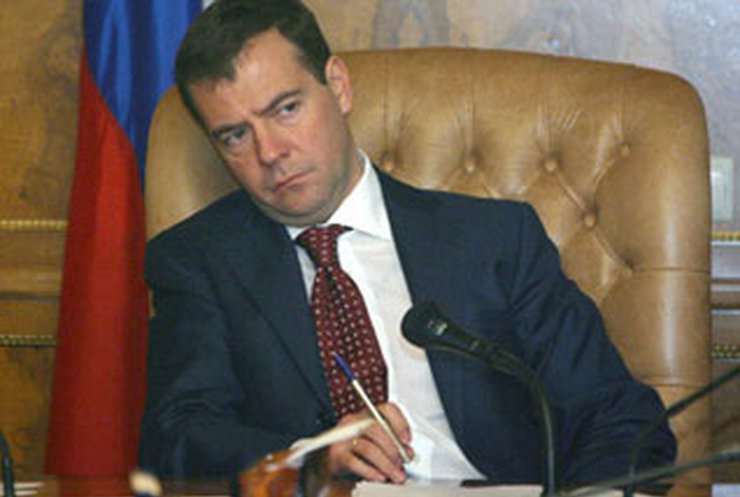 """Грузия обиделась на Медведева за """"политического трупа"""""""