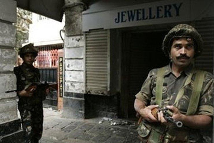 В Мумбаи завершена антитеррористическая операция