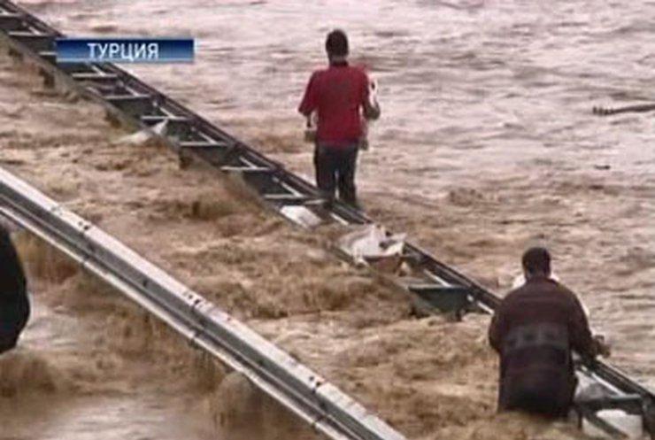 Турция борется с сильнейшим наводнением
