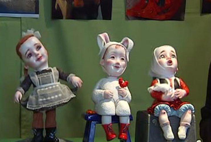 """В """"Мыстецьком арсенале"""" открылся международный кукольный салон"""