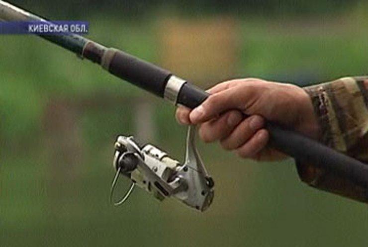 Как дипломаты под Киевом рыбу ловили
