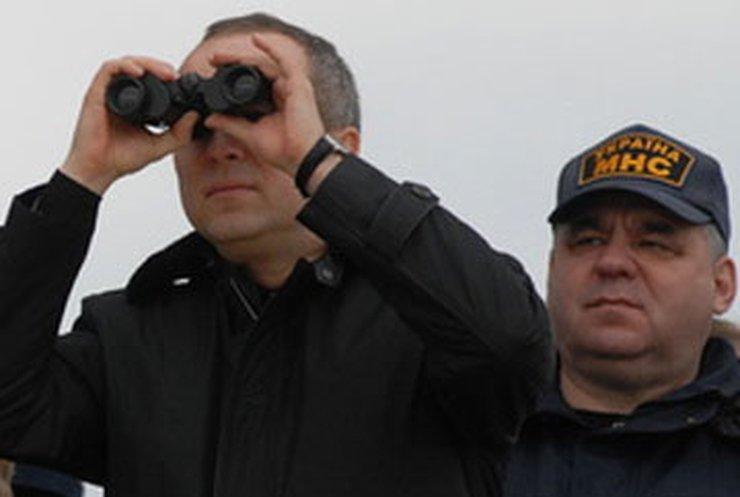Шуфрич готовится к прорыву дамбы на Дунае
