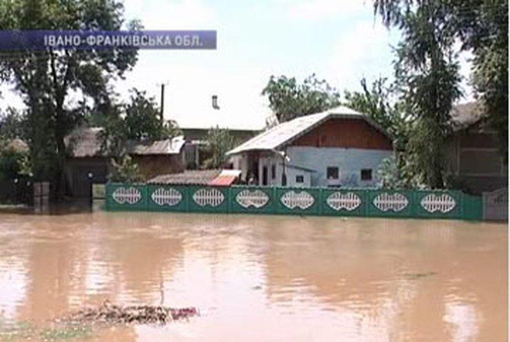 Затопленной Ивано-Франковщине выделили 18 миллионов гривен