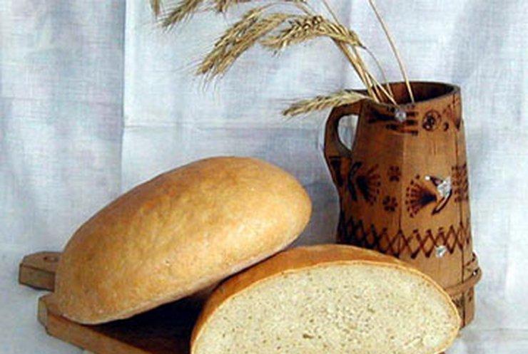 Азаров запретил ухудшать качество хлеба