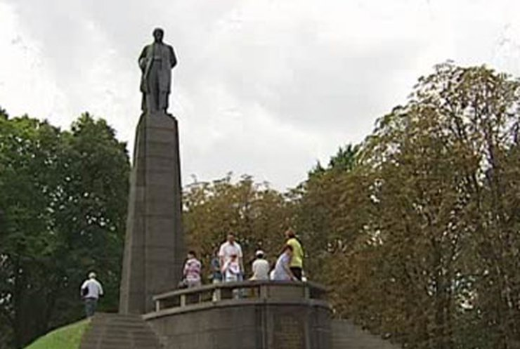 Исполняется 85 лет со дня основания Шевченковского заповедника в Каневе